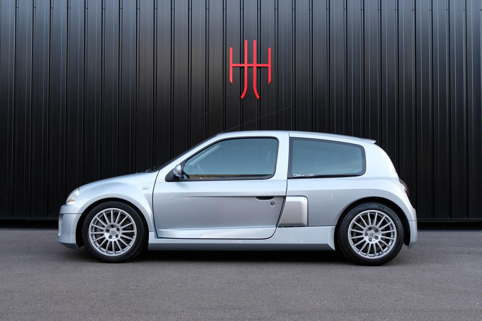 RENAULT CLIO V6 SPORT PHASE 1