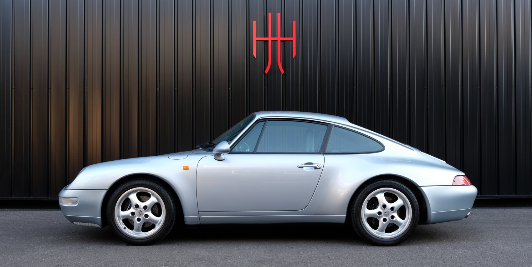 PORSCHE 911 TYPE 993 CARRERA TIPTRONIC