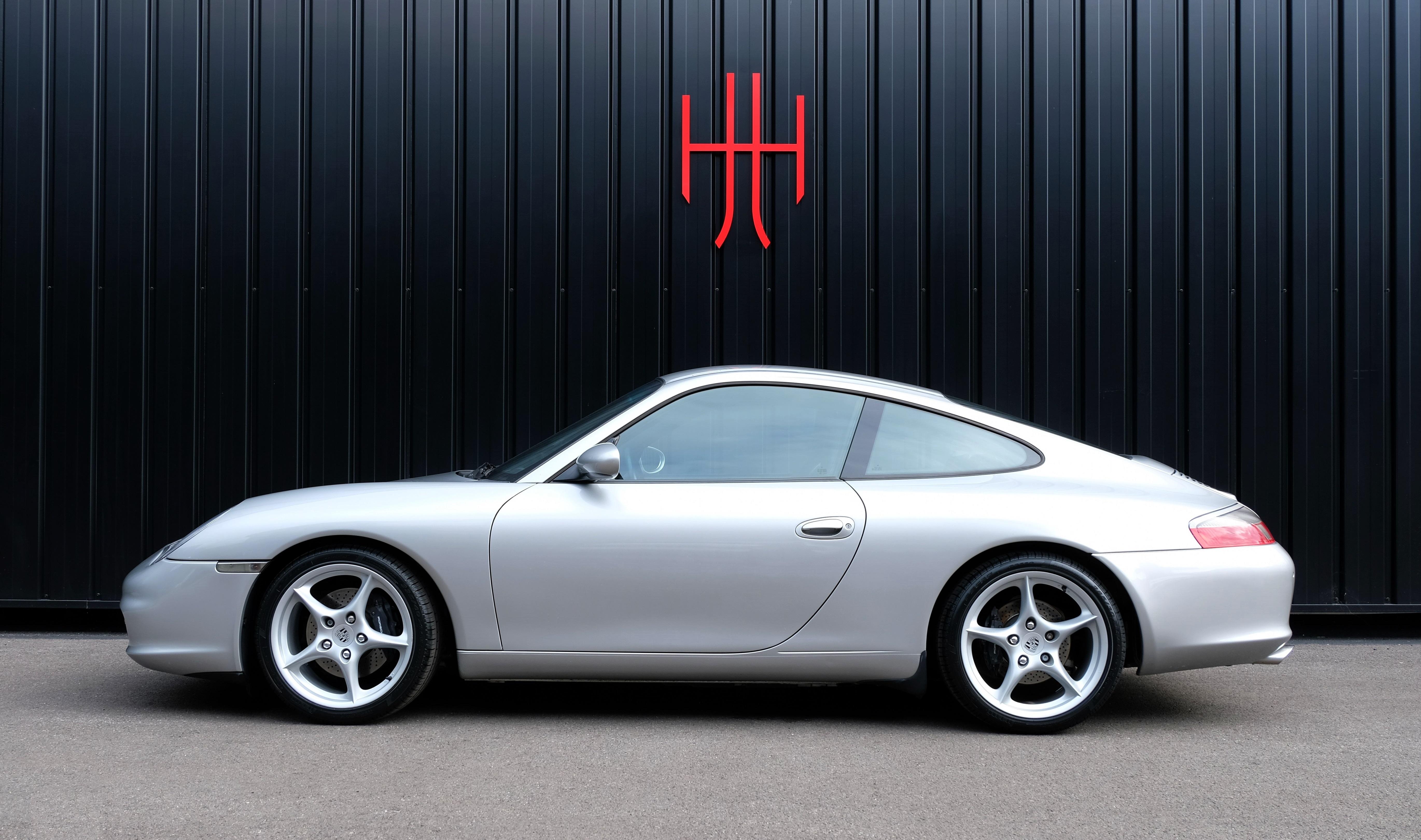 PORSCHE 911 TYPE 996 CARRERA 2